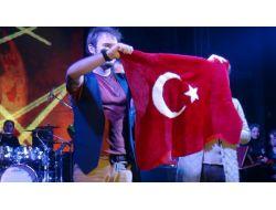 Mustafa Ceceli Erzincanlıları Coşturdu