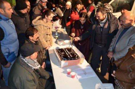 Şefkat Tepe oyuncuları kandili sette kutladı